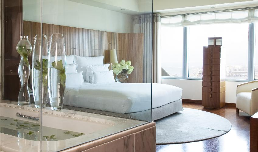 crisp and clean bedroom linens in Barcelona - The Arts Penthouse luxury apartment
