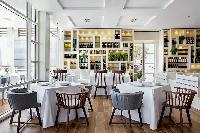 amazing places to dine near Arts Barcelona - The Royal Penthouse luxury apartment