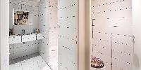 refreshing bathroom in Saint Germain des Prés - Luxembourg Private Garden luxury apartment