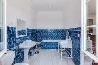 refreshing bath in Cannes Villa Boulevard des Collines luxury apartment