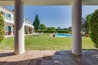 lush and lovely garden of Cannes Villa Boulevard des Collines luxury apartment