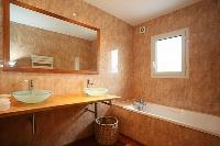 fabulous bathroom with tub in Corsica - Villa Daria luxury apartment