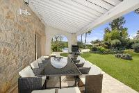 awesome outdoor dining at Cannes Villa des Dauphins luxury apartment