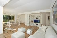 bright and breezy Cannes Villa des Dauphins luxury apartment