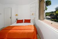 perky bedroom in Cannes Villa des Dauphins luxury apartment