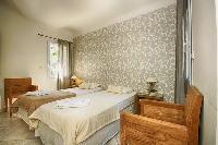 fresh and clean bedding in Corsica - Villa Dominique luxury apartment